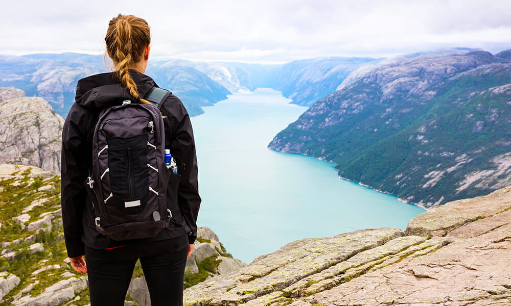 what to wear on hiking vacation